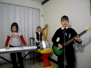 Дети играют Rammstein